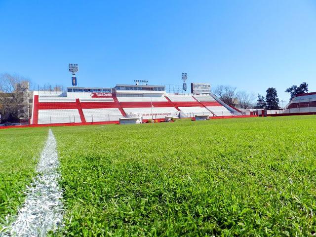 El viejo estadio del Deportivo Morón platea