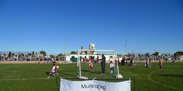 cancha de Deportivo Dolavon1