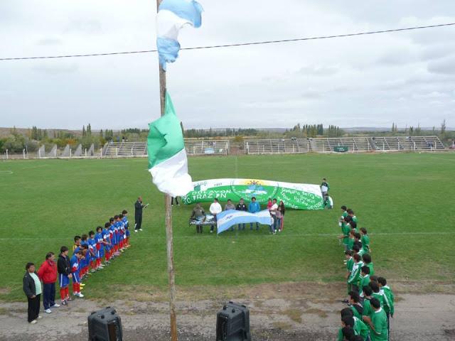 cancha de Deportivo Dolavon tribunas