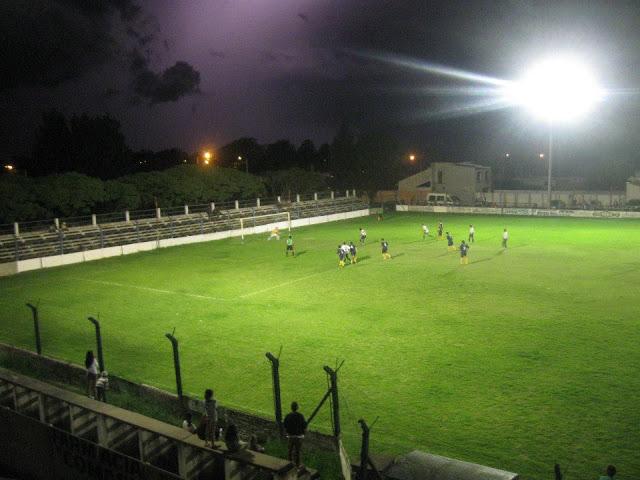 cancha de Independiente de Bolívar1