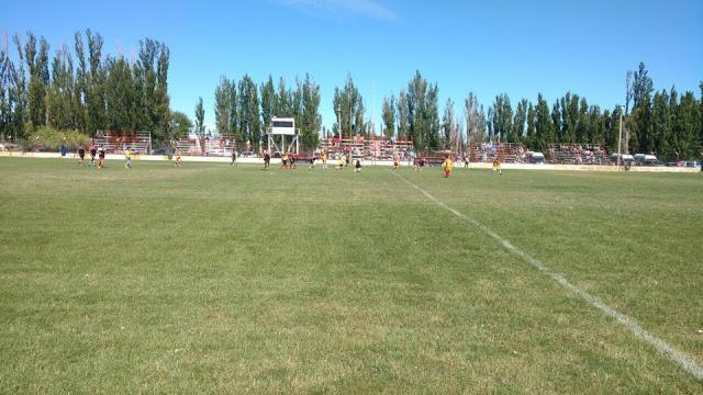 05cancha de Deportivo Samiento de Chubut