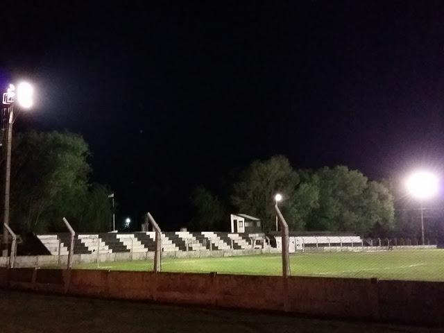 cancha de Independiente de Hernando5