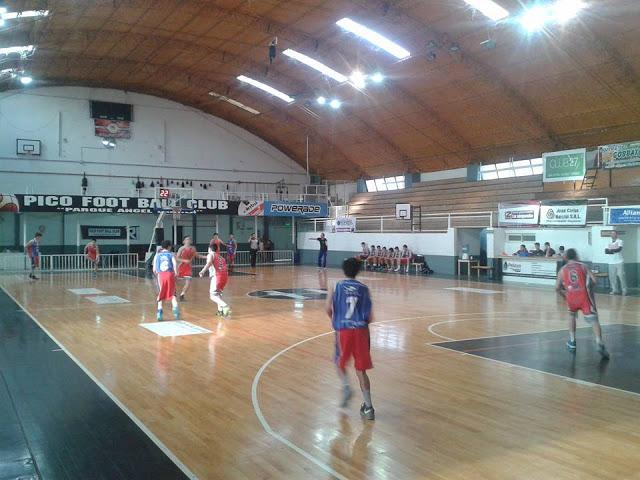 Estadio cubierto de Pico FC4