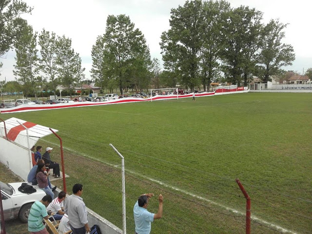 cancha de Atlético Hasenkamp3
