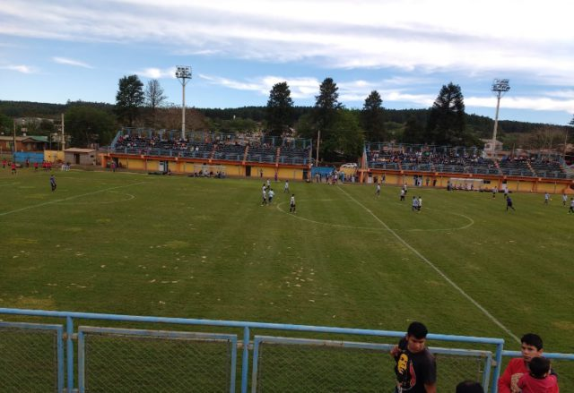 estadio municipal Puerto Piray