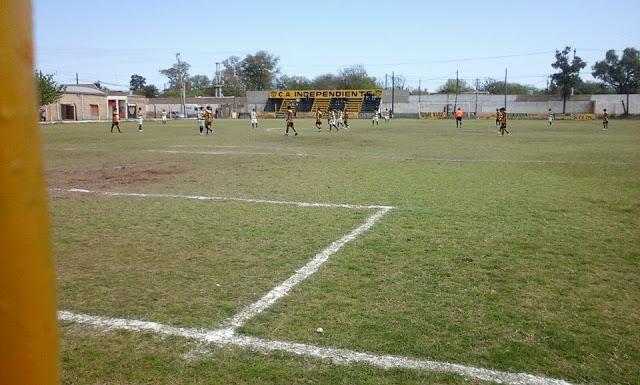 cancha de Independiente de Fernandez5