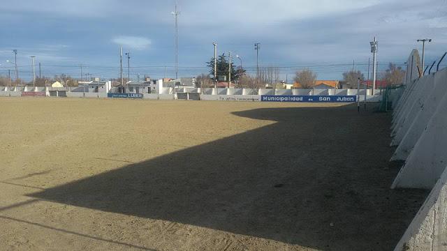cancha de Independiente de Puerto San Julián3