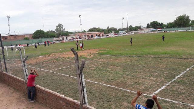 04cancha de Deportivo Taco Pozo