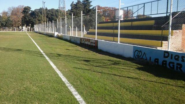 cancha de Sportsman de Carmen de Areco tribuna