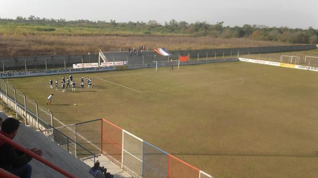 cancha de Deportivo Llorens tribuna