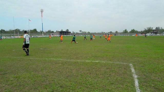 Deportivo Llorens cancha