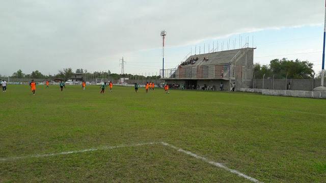 Estadio de Deportivo Llorens tribuna principal