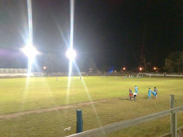 Estadio de Sportivo Fernandez noche